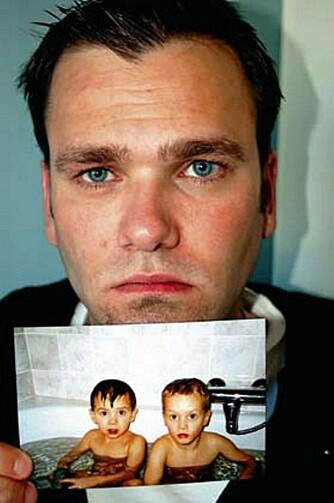 I seks år har Tommy kjempet for å få sønnene hjem.