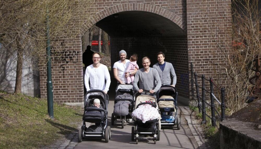 IKKE TIL Å KOMME FORBI: Anders (33, t.v.), Joakim (36), Ole Morten (31) og Christian (31) er den nye barnevognmafiaen.