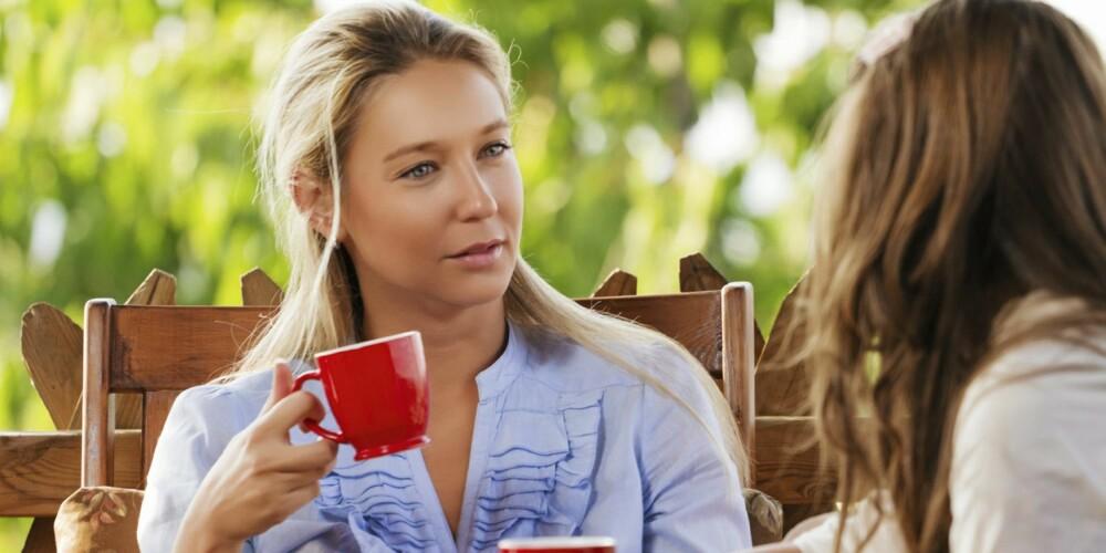 IKKE FORAN BARNA: Det er ikke bra å snakke negativt om andre i barnas nærvær.