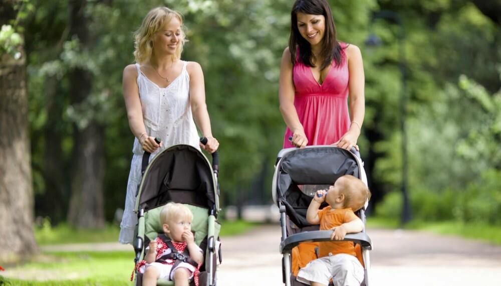 LANGE ØRER: Barn helt ned i ettårsalderen får med seg det du sier om andre - også det negative.