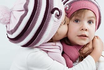 GODE VENNER: Det finnes noen måter som hjelper deg med å skaffe barna dine venner.