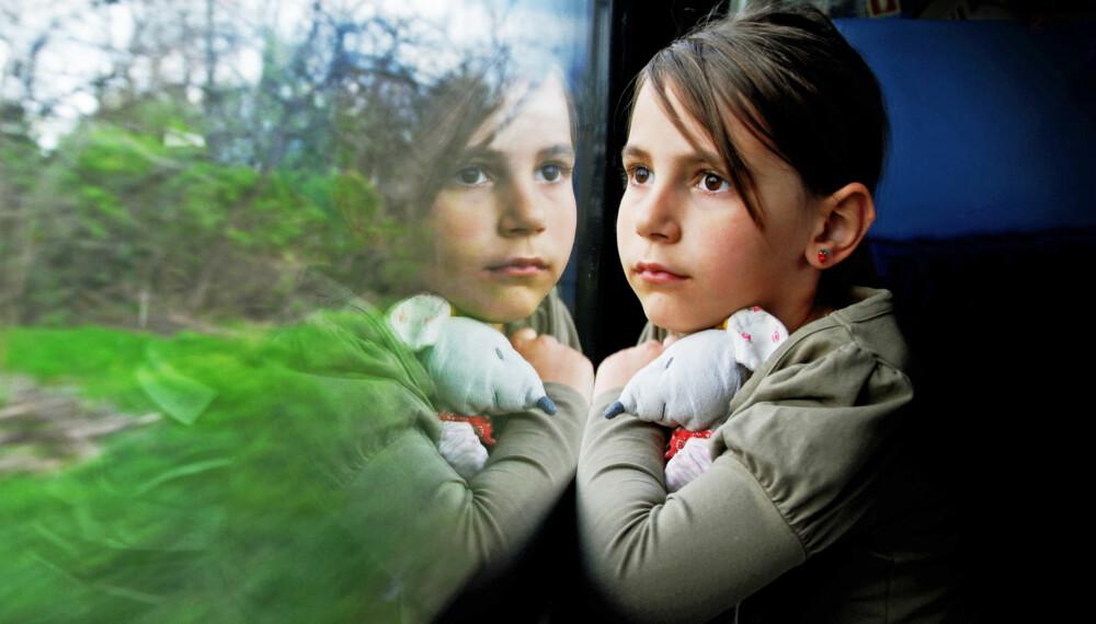 INTROVERT: Dersom barnet ditt er tankefullt og gjerne liker å være alene, så er det ikke noe galt. Sannsynligvis er det bare introvert, og da er det viktig at du som foreldre respekterer barnet ditt for det. (ILLUSTRASJONSFOTO: Colourbox)