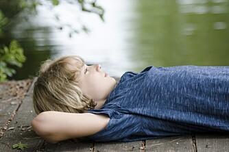 SUNT OG KJEDELIG: La barna kjede seg i sommerferien. Det er sunt for hjernens utvikling.