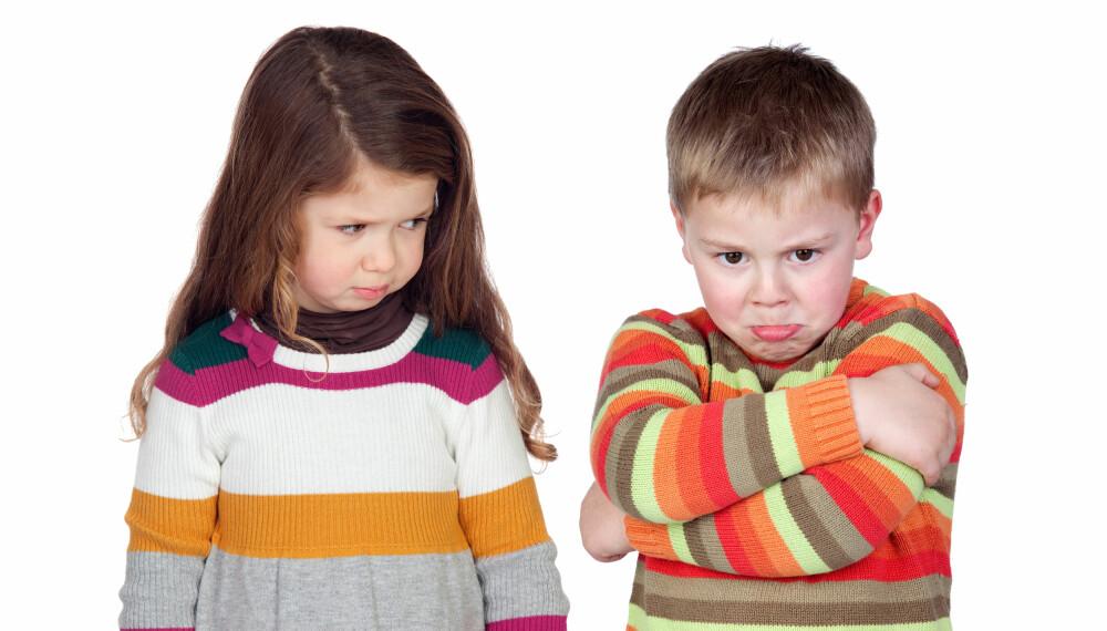 UVENNER: Det er ikke uvanlig at søsken blir uvenner i blant, og ofte kan det være greit å la dem prøve å løse konflikten selv.  Illustrasjonsfoto: Colourbox