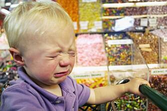 GRINETE UNGER: Mye sukker forstyrrer blodsukkerreguleringen i kroppen. Resultatet kan bli hyperaktive, trøtte, irritable og sutrete barn.