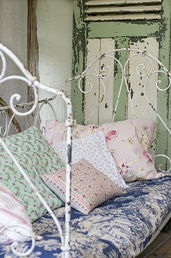 MYKT: Fyll en dagseng med puter og tepper, så har du et herlig sted å gjemme deg bort på.