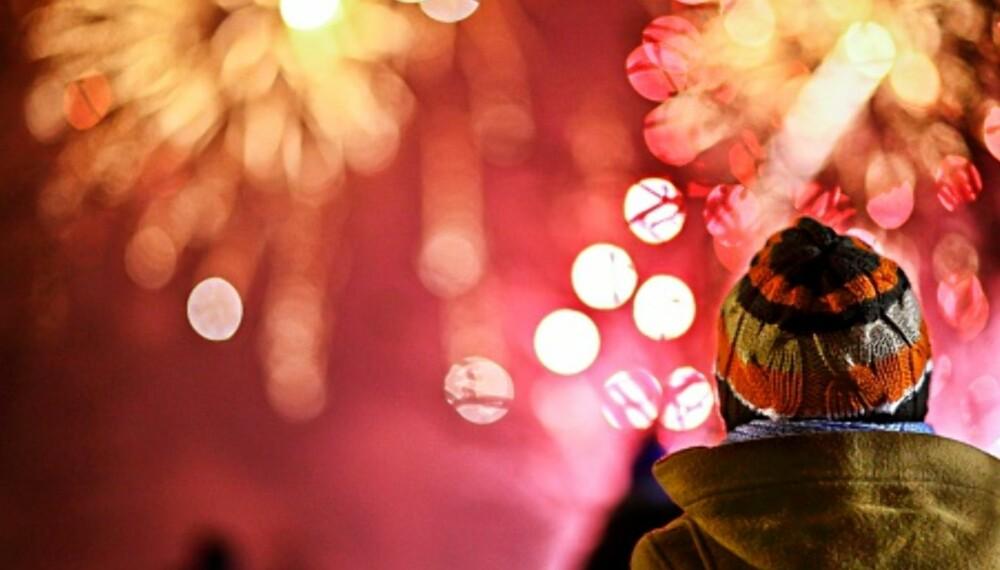 VÆR FORSIKTIG: Ekspertene forteller deg hvordan du kan beskytte deg og barna dine mot skader fra årets fyrverkeri.