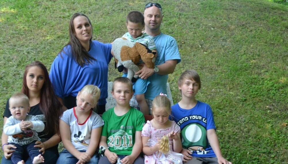 SYVBARNS-FAMILIENS MORGENRUTINER: Når man har syv barn mellom halvannet år og 15, sier det seg selv at rutinene må være på plass. Her får du syvbarnsmamma Linda Hagens beste tips.