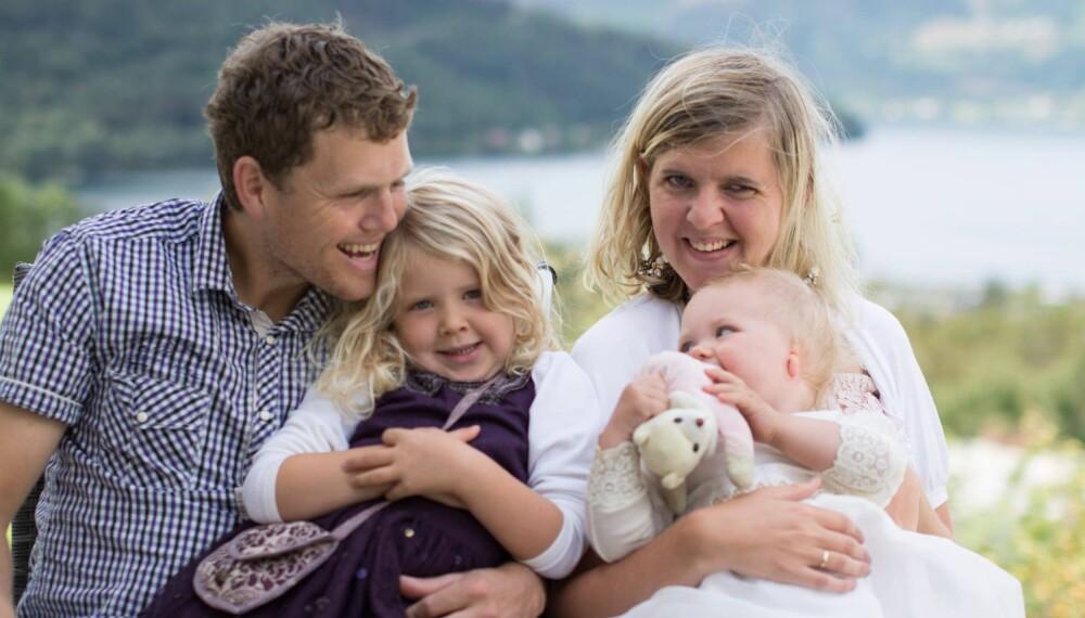 MAMMA I RULLESTOL: Vi lever et ganske typisk småbarnsliv, bare med noen ekstra utfordringer, forteller Mari Hansen, som har cerebral parese.