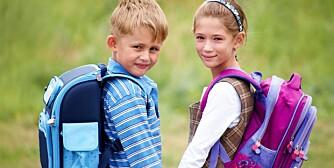 KLAR FOR Å GÅ ALENE? Det finnes ingen bestemt alder der alle barn er klare for å gå til skolen alene. Det viktigste er at de har lært seg å ferdes trygt i trafikken.