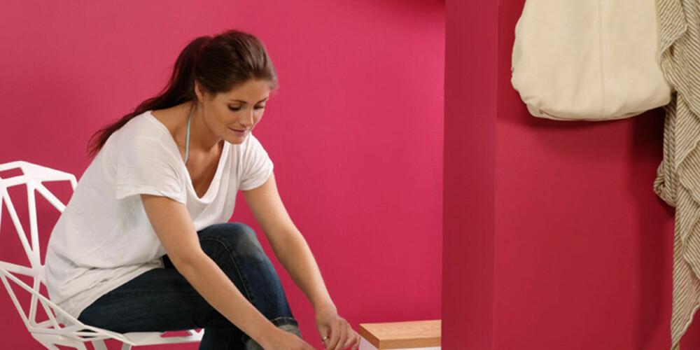 FARGERIKT: Farger på veggene er in igjen. Men hvordan forandrer fargen seg fra butikken til hjemme.