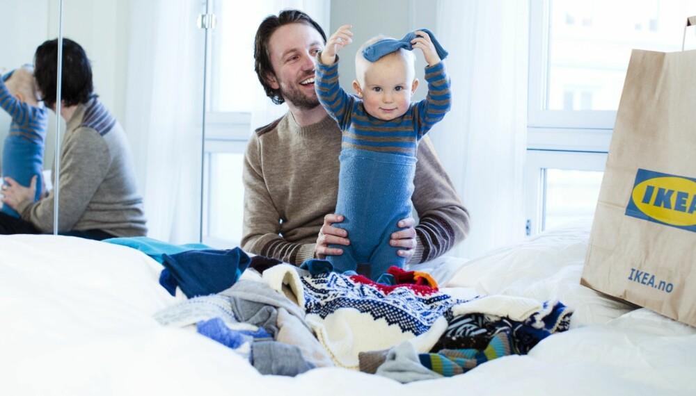 UNNGÅ PLAST: Bruk pappesker eller papirposer når du skal pakke bort vinterklærne.