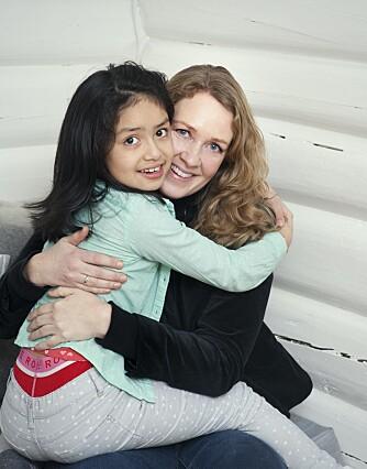 SAMME MORSFØLELSE: Anne-Margrethe merker ingen forskjell på morsfølelsen til adopterte og egenfødte barn.