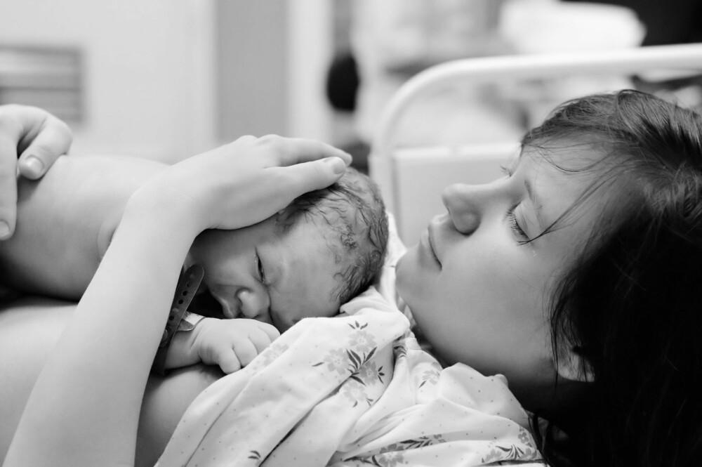 LANGVARIG FØDSEL: Både mor og barn kan bli utmattet i lang tid etter en fødsel som har vart i flere døgn.