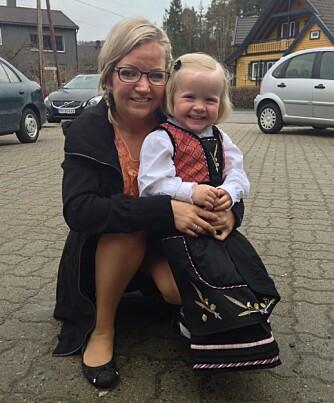 VAR MISUNNELIG PÅ SØSTEREN: - Da søsteren min fortalte at hun var gravid, var det som å få ti kniver i magen, forteller Trine Lunden. Nå har hun selv blitt mamma.