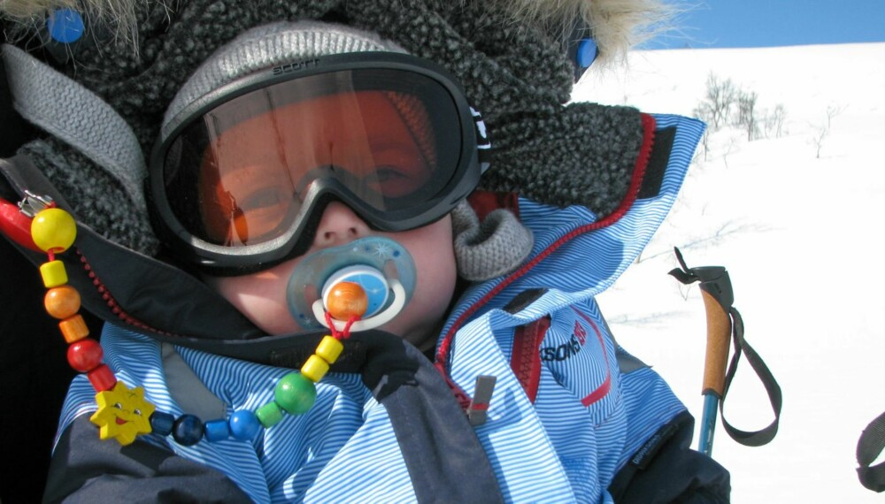 POLARFARER: Lille Tristan (17 måneder) skal tilbringe 5 uker på Baffin island i det nordlige Canada samme med turglade foreldre.