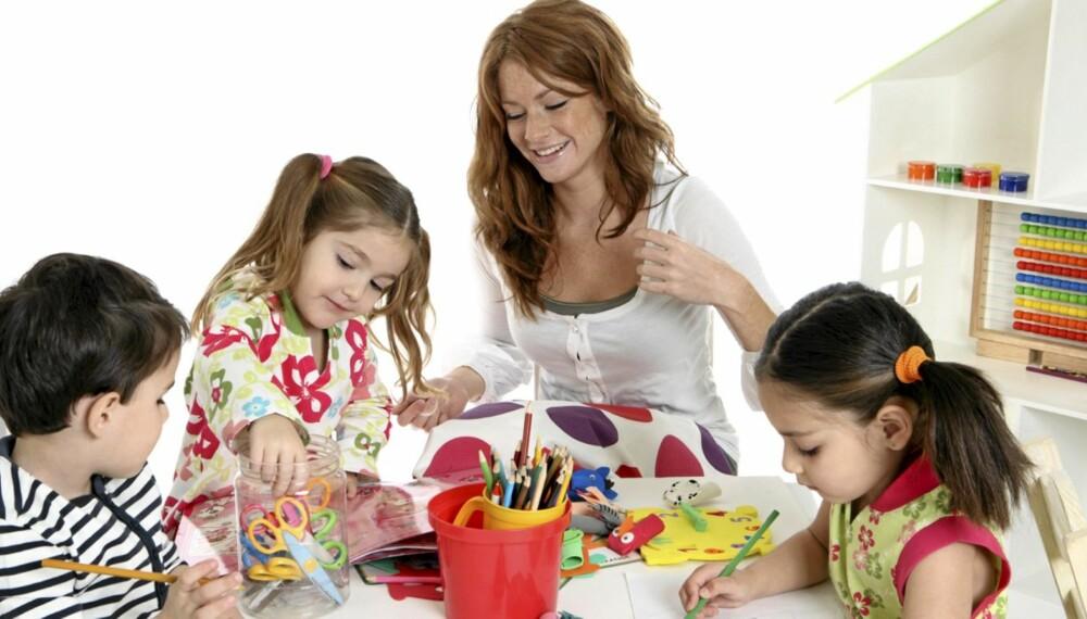 LIKESTILLING: Jenter og gutter tildeles stereotype roller i barnehagen.