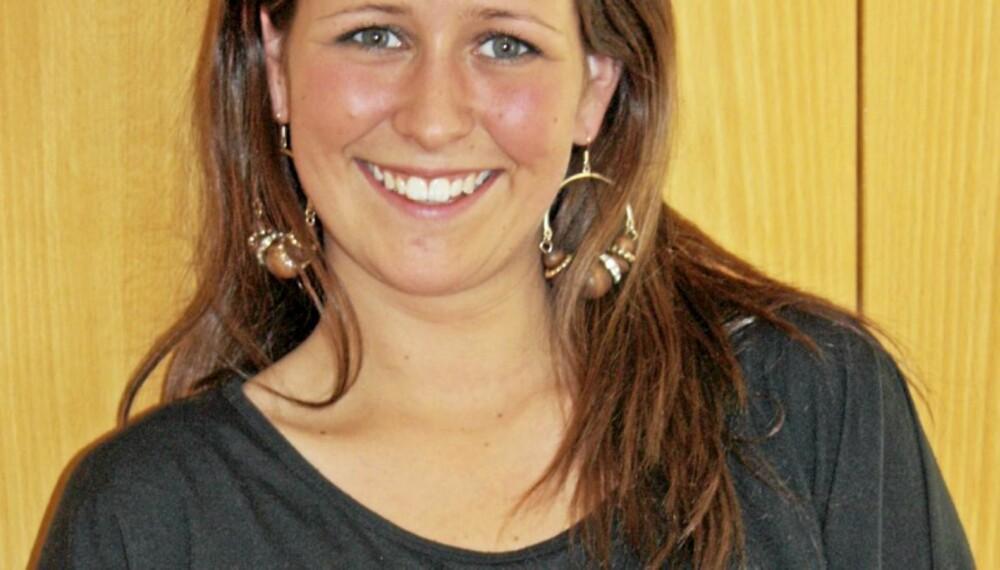 UNG MOR: Line Emilie Sundqvist Gjørtz (21) ble gravid som 17-åring. Hun fikk et 5-siders brev om alt hun ville gå glipp av om hun beholdt barnet. - Jeg har ikke angret et sekund, sier Line til klikk.no.