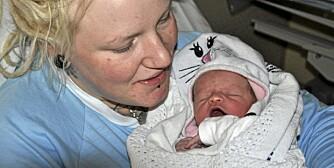 NYFØDTE RONIA: Camilla J. Bentzen ville kalle datteren Ronia Røverdatter Bentzen. Det fikk hun ikke lov til.