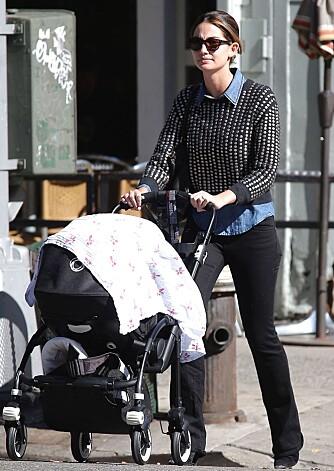 MODELL-BABY: Modellen Lily Aldridge ble mor til lille Dixie Pearl Followill i juni 2012.