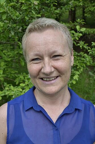 VIKTIG FOR BARNA: Lærer ved Nidarvoll barneskole, Elin Furunes, understreker at det er viktig for barna at foreldrene ser hva de har øvd på og hva de kan.