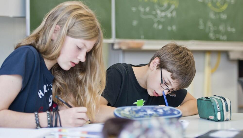 FERSK PÅ UNGDOMSSKOLEN: Vær tilgjengelig, aksepter at venner er viktig og ikke stress med karakterene, er tre av rådene til ferske ungdomsskoleforeldre.
