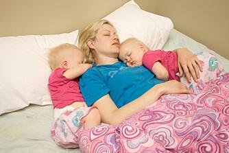 SAMSOVING: Å sove sammen med barna fungerer for mange. Og det er helt greit!