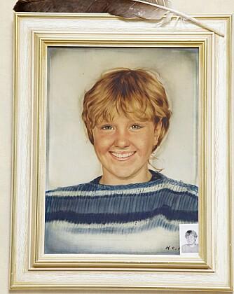 MAMMA: På stueveggen henger en tegning av Kristin, som døde av svangerskapsforgiftning da babyen hennes var 7 uker gammel.