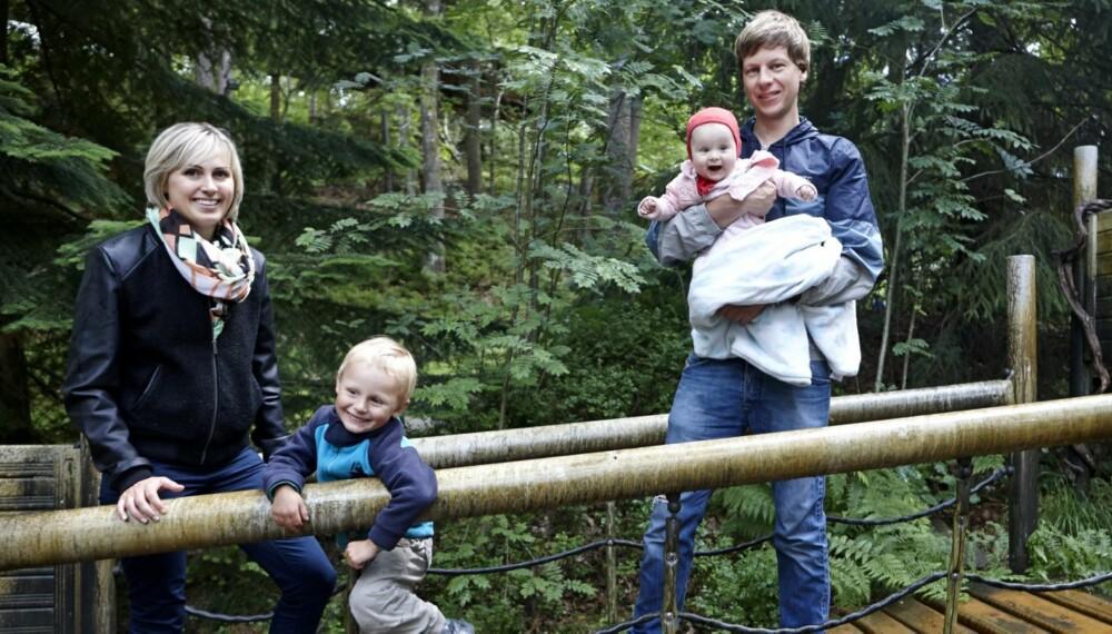 HJERTESYK SØNN: Familien Stranden koser seg i Dyreparken i hjembyen Kristiansand. Det er to år og mye dramatikk siden Foreldre & Barn først ble kjent med familien.