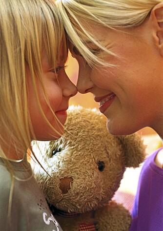 Er du alene med barnet, må du selv takle de vanskelige situasjonene. Men du får også mange gleder.