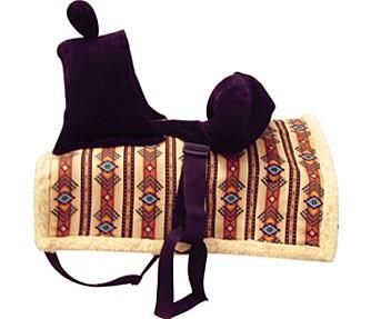 RIDE, RIDE RANKE: Med denne på ryggen til pappa, kan minsten leke cowboy i timevis.