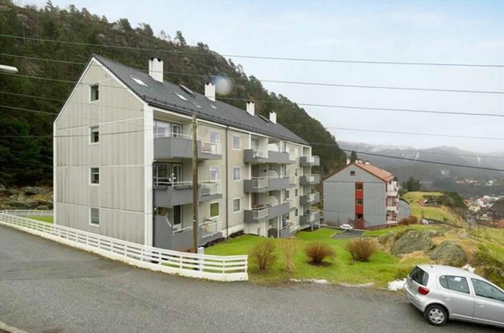 SENTRAL BELIGGENHET: Leiligheten, som ligger i Øyjordsveien i Bergen, ligger sentralt til i forhold til både sentrum og Handelshøyskolen ifølge megler.