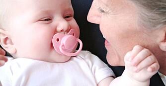 SAMME NAVN: Mange velger å hente frem gamle familienavn og kalle opp babyen etter besteforeldre eller andre forfedre.