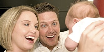 FAVORITTPERSONER: Babyen viser sin kjærlighet ved å velge at mor og far er favorittpersoner.