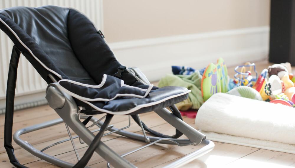 UNØDVENDIG: Vippestolen er kanskje kjekk å ha for foreldre, men bruk den minst mulig, oppfordrer fysioterapeuter.