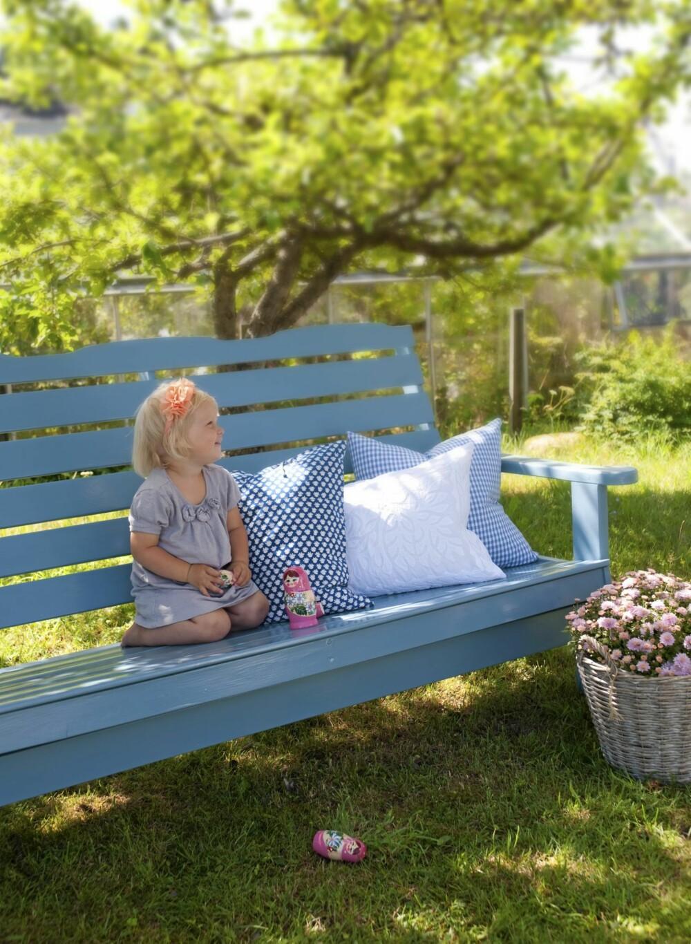 NY MED MALING: Gamle møbler kan bli som nye med litt frisk og fargerik maling.