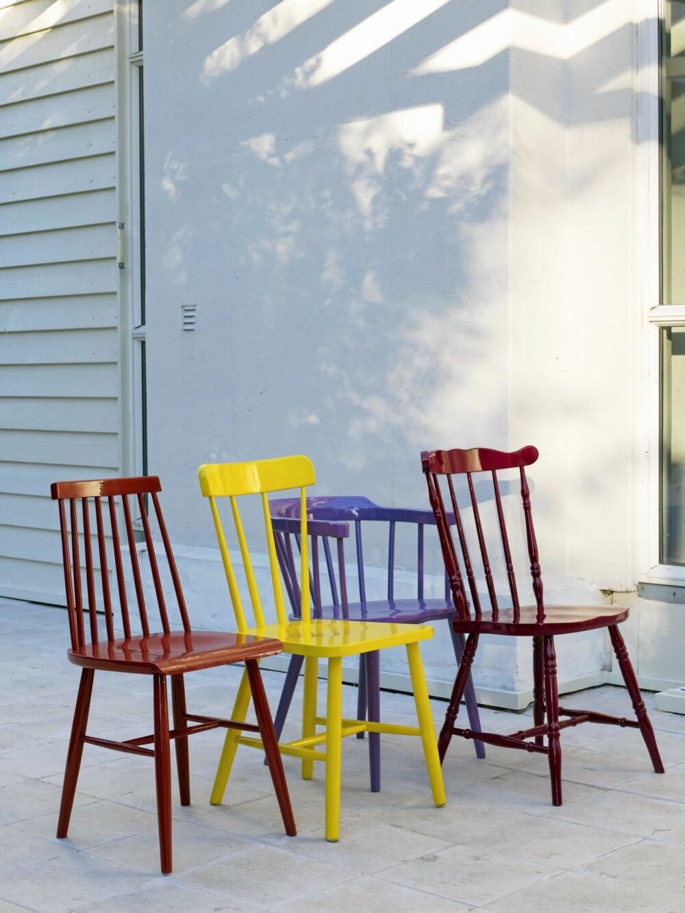 STILIGE STOLER: Mal de gamle stolene dine i knæsje farger for å få et helt nytt uttrykk.