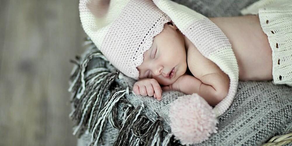 BABYFOTOGRAFERING: Denne roen som alle føler når de ser et lite nyfødt barn sove er det jeg vil oppnå med bildene jeg tar, sier fotograf Tanja Myrbråten.