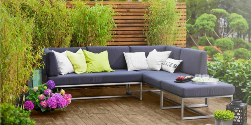 LIVING: Denne modulsofaen fra Living passer like fint i hagen som på den urbane takterassen. Sofa modul koster 3995 kroner.  Puffen koster 1995 kroner.