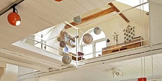 HULL I HIMLINGEN: Beboerne har fjernet ni kvadratmeter av loftsetasjen for å få større romfølelse.