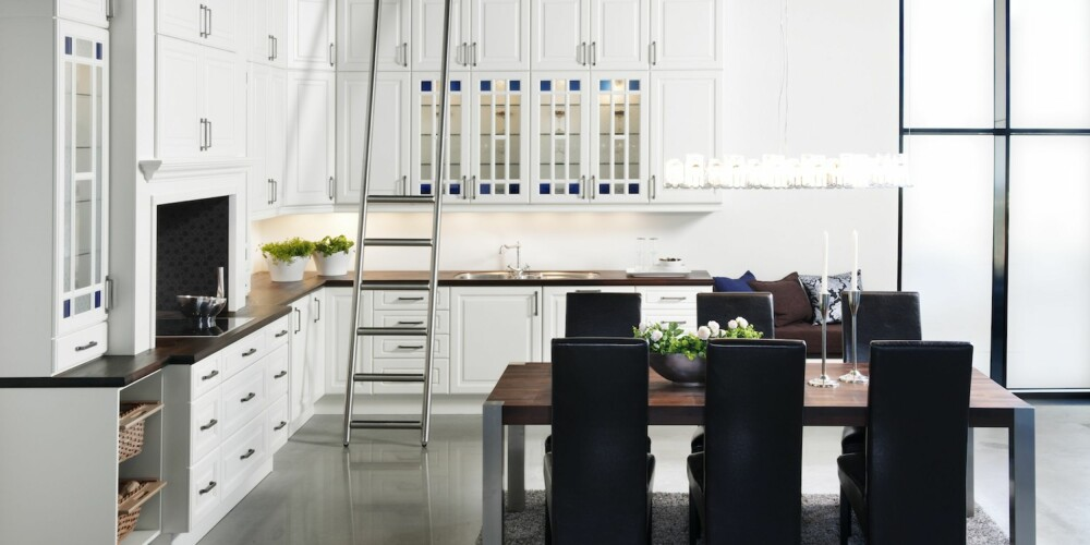 TRADISJONELL: Med dette kjøkkenet fra Strai er det god plass til mer enn bare kokkelering.