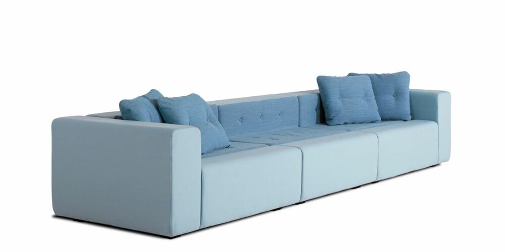 LANGSTRAKT. Sunday er en moduloppbygget loungesofa fra Fredericia Furniture. Modulsofa med flere muligheter og  fargevalg, mer informasjon hos fredericia.com