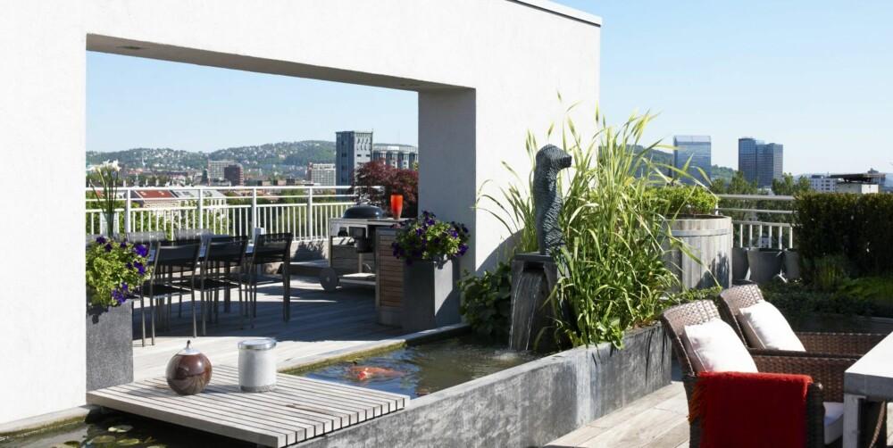 ENORM TAKTERRASSE: Terrassen er inspirert av japansk hagekunst, som gjenspeiler naturen og binder terrassen sammen med omgivelsene.