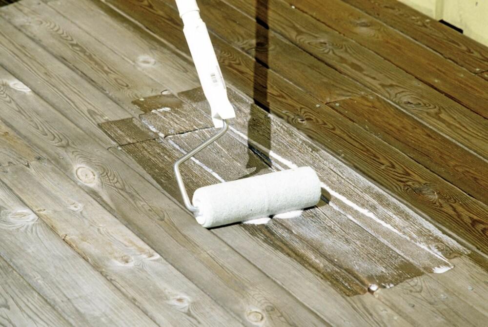 ETTERBEHANDLING: Når terrassen er vasket og har tørket, kan det være bra å påføre olje eller et annet beskyttende middel.