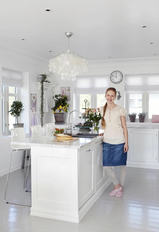 KJØKKENØY: Som vinner av Norges Drømmebolig har Maria blant annet fått et gavekort på 25 000 kroner, som hun fritt kan bruke på House of Oslo. På ønskelisten står en rosa KitschenAid-maskin til kjøkkenet.