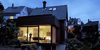 MYE ROM PÅ LITEN PLASS: Arkitekt Todd Saunders tegnet et tilbygg på 30 kvm som rommer både kjøkken og stue og to terrasser.