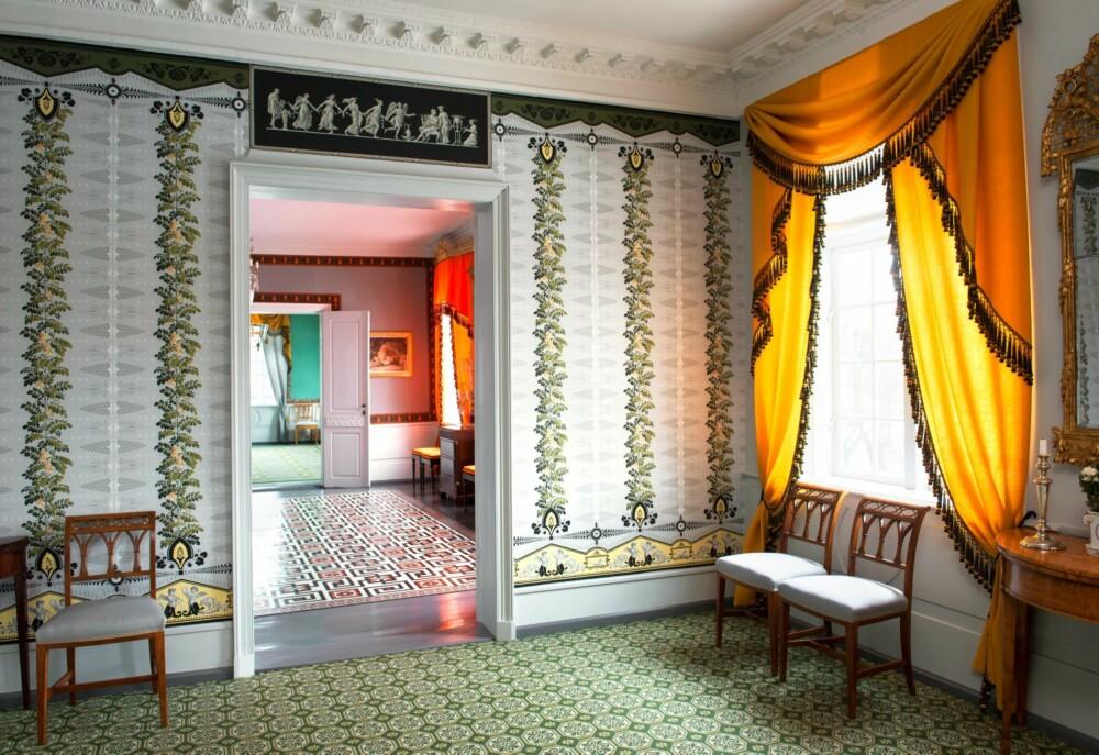 KONGELIG RESIDENS: Prins Christian Fredrik disponerte selskapsfløyen som sin leilighet i riksforsamlingsperioden. Hver kveld ble rundt 20 av Eidsvollsmennene invitert til å spise ved hans bord i Nystuen, det hitterste rommet.