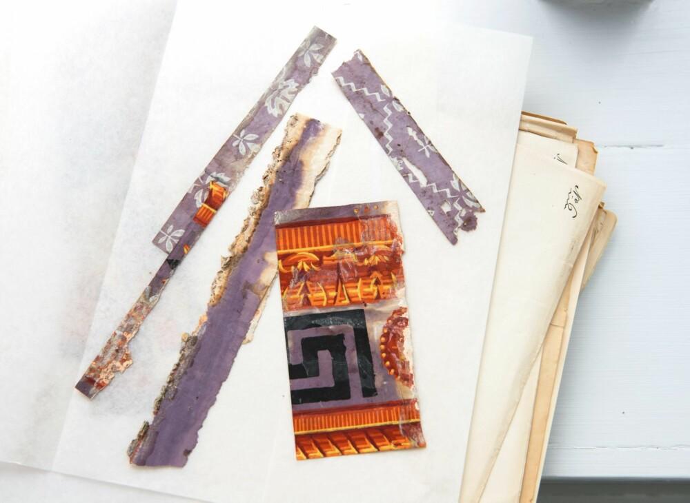RESTER: De skjøre tapetbitene er rester funnet ble analysert og brukt som grunnlag for de nye som er brukt til restaureringen av fru Ankers sovekammer.