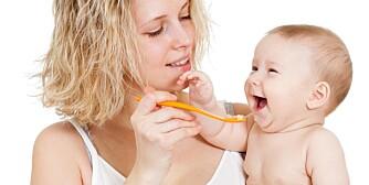 FÅ BARNET TIL Å TA MEDISINEN: Det kan være vanskelig å få små barn til å svelge vond medisin. Her får du en rekke tips og råd som kan gjøre jobben enklere.