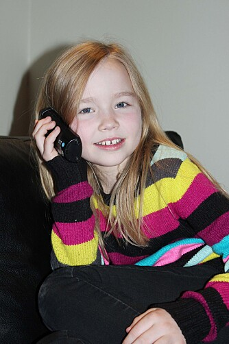 TELEFONDILLA: Stine Lorentzen satt ofte på kontoret til faren og bladde i telefonkatalogen da hun var yngre.